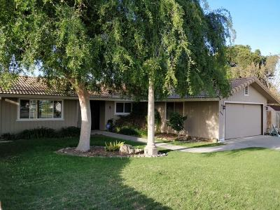 Hanford Single Family Home For Sale: 680 Anthony Drive