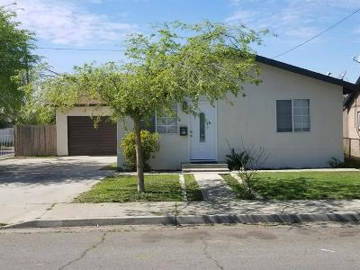 Dinuba Single Family Home For Sale: 861 S Myrtle Avenue