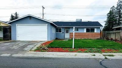 Visalia Single Family Home For Sale: 2139 S Sallee Street