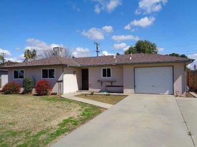 Dinuba Single Family Home For Sale: 370 S Gloria Avenue