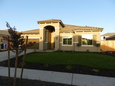Kerman Single Family Home For Sale: 870 S Susan Avenue