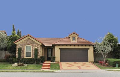 Fresno Single Family Home For Sale: 1277 E Via Roma Drive