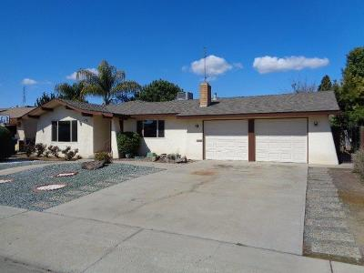 Reedley CA Single Family Home For Sale: $237,500
