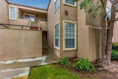 Fresno Condo/Townhouse For Sale: 8153 N Cedar Avenue #127