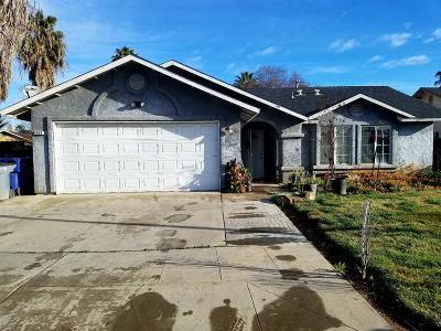 Single Family Home For Sale: 4869 E Eugenia Avenue