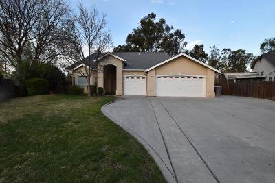 Clovis Single Family Home For Sale: 693 N Homsy Avenue