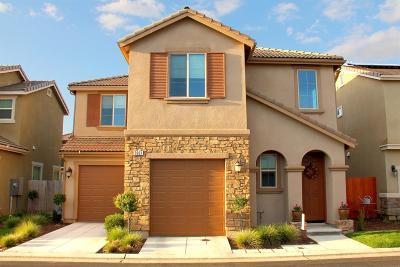 Clovis Single Family Home For Sale: 3061 Mount Rainier Lane