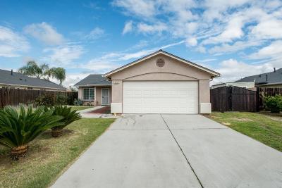 Sanger Single Family Home For Sale: 1672 Bennett Way