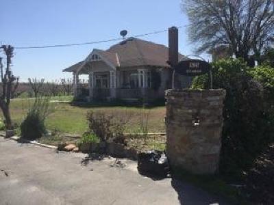 Kingsburg Farm For Sale: 12647 E Clarkson Avenue