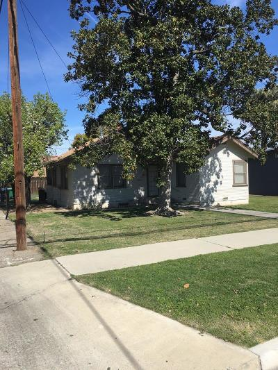 Kingsburg CA Single Family Home For Sale: $175,000
