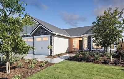 Madera Single Family Home For Sale: 496 S Cascade Avenue #60