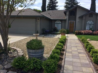 Reedley CA Single Family Home For Sale: $239,900