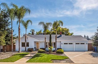 Reedley CA Single Family Home For Sale: $365,000
