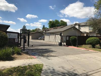 Clovis, Fresno, Sanger Multi Family Home For Sale: 4781 N Polk #122-4
