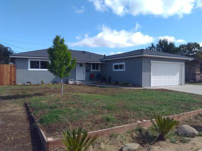 Clovis Single Family Home For Sale: 457 W Beverly Drive