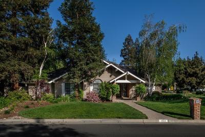 Fresno Single Family Home For Sale: 453 E Braddock Drive