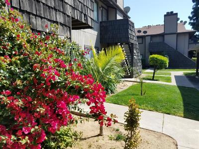 Fresno Condo/Townhouse For Sale: 1151 S Chestnut Avenue #126