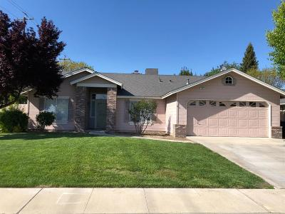 Kingsburg CA Single Family Home For Sale: $299,500