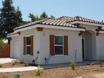 Madera Single Family Home For Sale: 704 Riverside Court