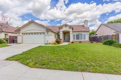 Clovis Single Family Home For Sale: 933 N Burgan Avenue