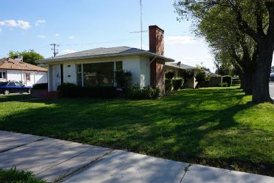 Madera Single Family Home For Sale: 400 S K Street