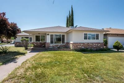 Single Family Home For Sale: 2936 E Pico Avenue