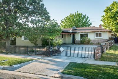 Single Family Home For Sale: 3885 E Farrin Avenue