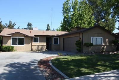 Fresno Single Family Home For Sale: 4051 E Buckingham Way