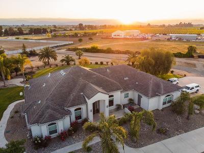 Clovis Single Family Home For Sale: 9760 E Olive Avenue