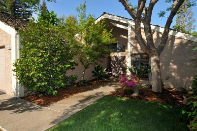 Fresno Condo/Townhouse For Sale: 6141 N West Avenue #114