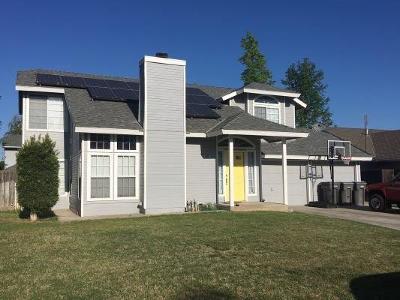 Kerman Single Family Home For Sale: 547 S Walnut Court