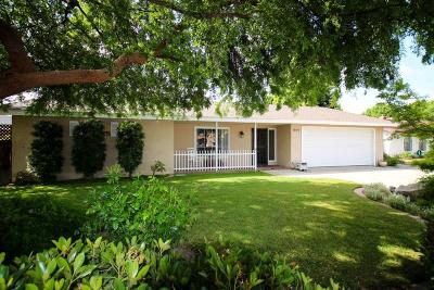 Reedley CA Single Family Home For Sale: $285,000