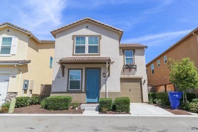 Fresno Single Family Home For Sale: 3234 W Arbor Drive