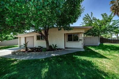 Clovis Single Family Home For Sale: 848 Brookfield Drive