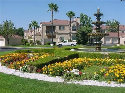 Fresno Condo/Townhouse For Sale: 8147 N Cedar Avenue #227