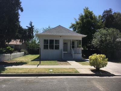 Madera Single Family Home For Sale: 110 S J Street