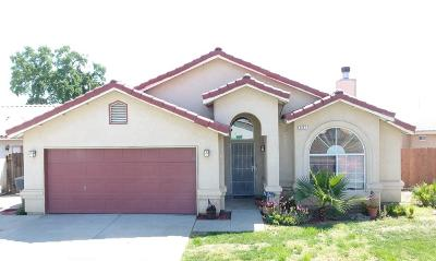 Hanford Single Family Home For Sale: 2467 Fountain Plaza Drive