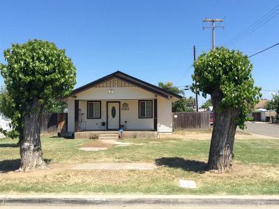 Dinuba Single Family Home For Sale: 1493 E Olive Way