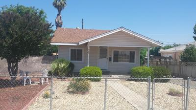 Dinuba Single Family Home For Sale: 493 W Franklin Way