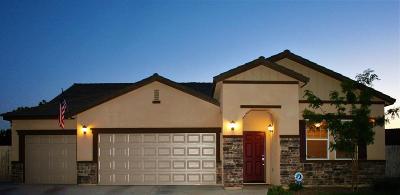 Kerman Single Family Home For Sale: 15717 W Botelho Avenue