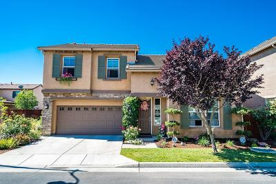 Hanford Single Family Home For Sale: 1803 Bella Oaks Way