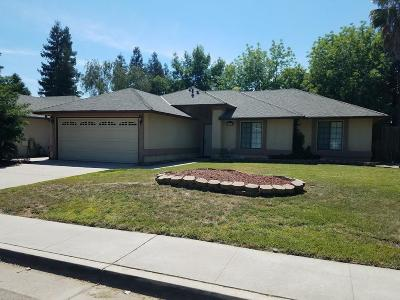 Reedley Single Family Home For Sale: 1523 Orchard Lane