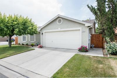 Fresno Single Family Home For Sale: 5296 E Harvest Lane