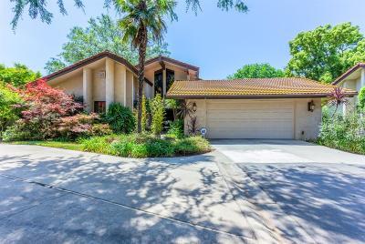 Fresno Condo/Townhouse For Sale: 5542 N El Adobe Drive