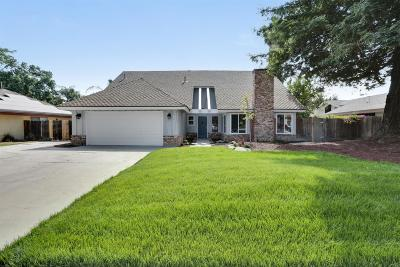 Visalia Single Family Home For Sale: 3528 S Oak View Drive