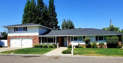Madera Single Family Home For Sale: 300 Krest Street