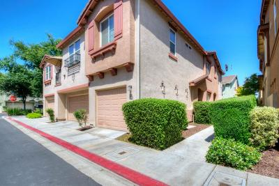 Clovis Condo/Townhouse For Sale: 385 N Greco Lane