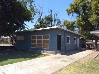 Fresno CA Single Family Home For Sale: $139,000