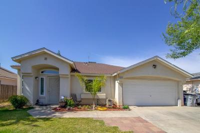 Fresno CA Single Family Home For Sale: $215,000