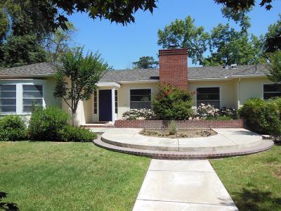 Fresno Single Family Home For Sale: 323 E Hampton Way